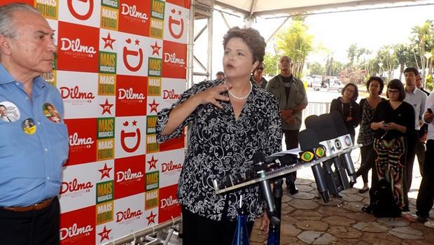 Dilma, com o vice Michel Temer, em ato político em São José do Rio Preto  (Foto: Marcos Lavezo/G1 Rio Preto)