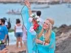 Dia de Iemanjá: devota há 30 anos cria roupa especial para homenagem