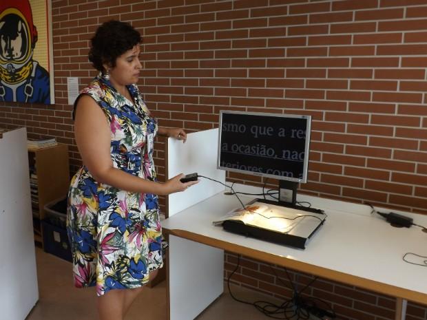Para a bibliotecária Tatiane Amorim, falta conhecimento para incentivar as pessoas a usarem (Foto: Jéssica Pimentel / G1)