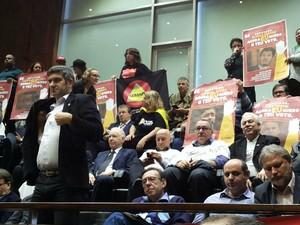 servidores manifestantes votacao assembleia legislativa rs (Foto: Hygino Vasconcellos/G1)