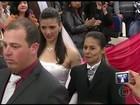 Casamento coletivo é realizado em Santana do Livramento após polêmica