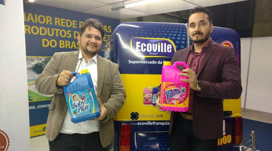 Leandro e Leonardo Castelo, da Ecoville, franquia de produtos de limpeza (Foto: Adriano Lira)