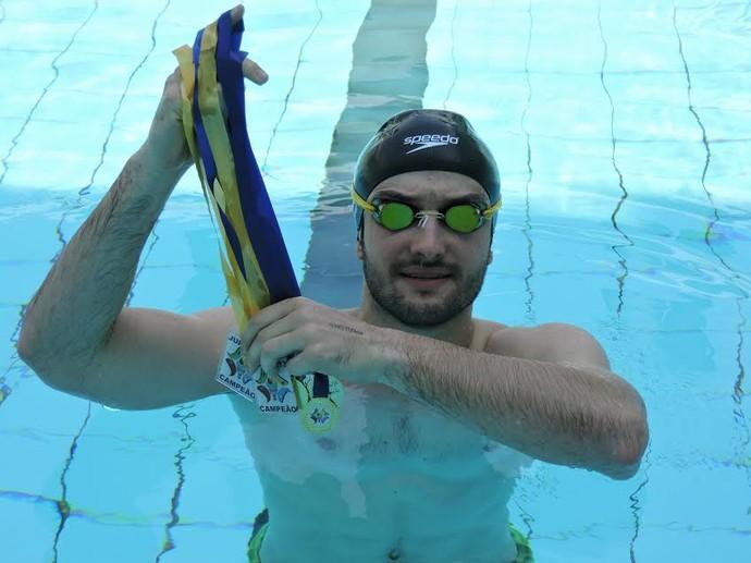 Giovane Molina soma sete medalhas pelos Jogos Universitários de Presidente Prudente (Foto: Fábio Reis / TV Fronteira)
