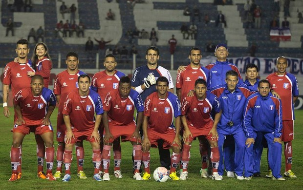 Equipe do Guará posa para foto antes da bola rolar; Marquinhos e Wendel juntos (Foto: Divulgação/ AGF)