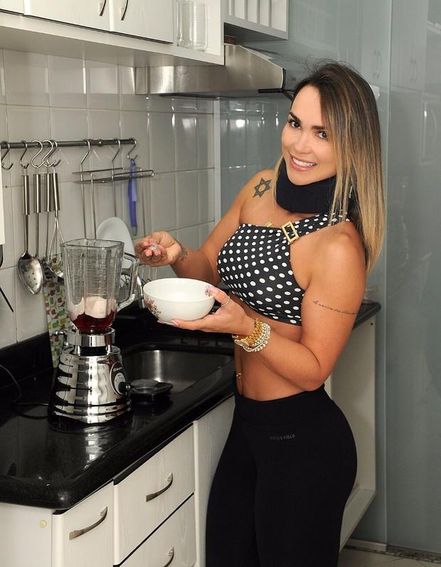 Eliana Amaral ensina a fazer doce fitness (Foto: Roberto Abreu/Divulgação)