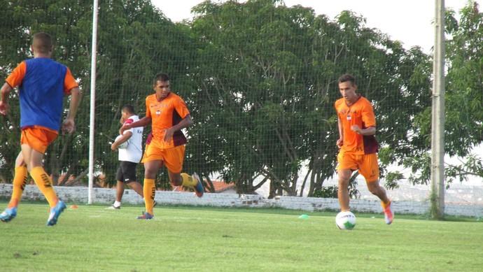 Jogadores viram a página e focam no Campeonato Piauiense (Foto: Emanuele Madeira/GloboEsporte.com)