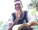 Corinthians programa exames para Jô, que pode assinar contrato terça-feira