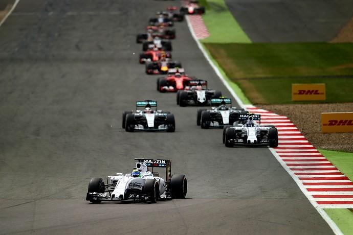 Felipe Massa e Valtteri Bottas lideram GP da Inglaterra (Foto: Getty Images)