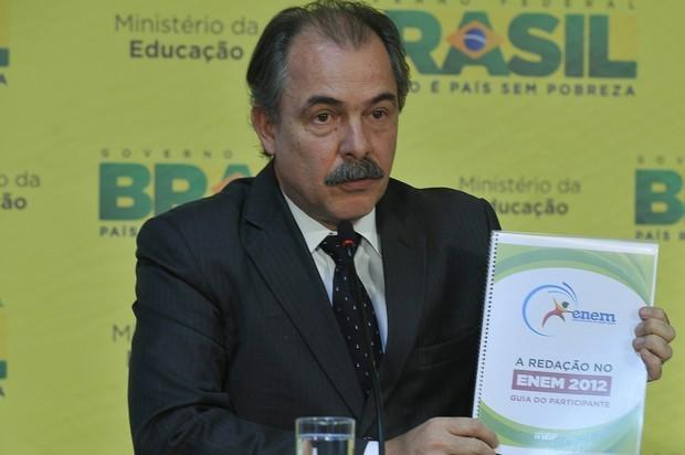 Ministro da Educação, Aloizio Mercadante, fala sobre redação do Enem (Foto: Valter Campanato/ABr)