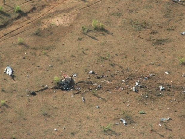 Polícia instaura inquérito para investigar queda de avião que matou 3 em MS (Foto: Fábio Campos/Rádio Caçula)