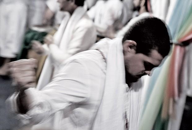 O branco é a cor ritualística nos terreiros (Foto: Rogério Assis)
