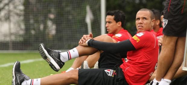 Luis Fabiano treino São Paulo (Foto: Luiz Pires/VIPCOMM )