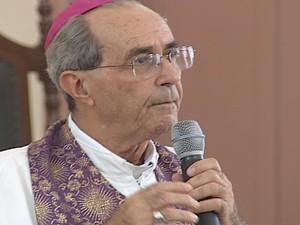 Bispo Dom Odilon renunciou por motivos de saúde. (Foto: Reprodução / Inter Tv dos Vales)