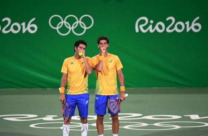 Bellucci e André Sá na vitória sobre os irmãos Murray nas duplas (Foto: ANDRÉ DURÃO/Globoesporte.com/NOPP)
