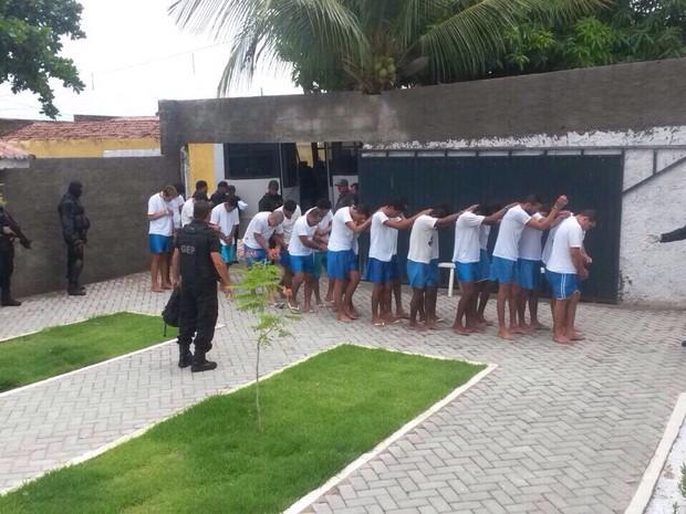 Presos chegaram nesta terça no CDP de Apodi vindos da Grande Natal (Foto: Divulgação/Sejuc-RN)