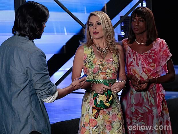 Dorothy interrompe a conversa de Pamela e Herval para falar sobre Megan (Foto: Felipe Monteiro / TV Globo)