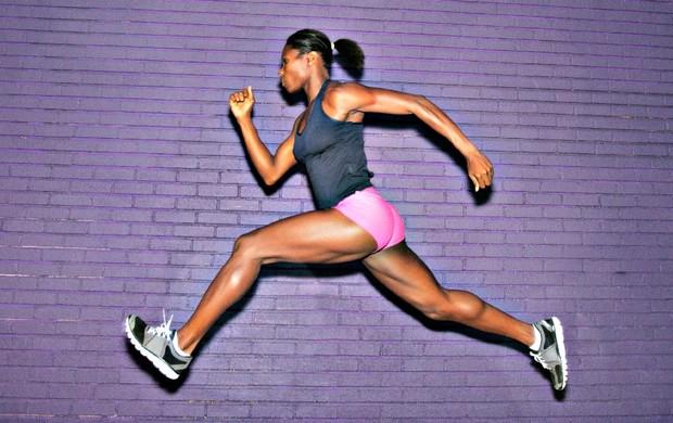 Mulher correndo músculos euatleta (Foto: Getty Images)