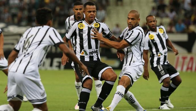 Ceará x Bragantino Série B Arena Castelão (Foto: Kid Júnior/Agência Diário)