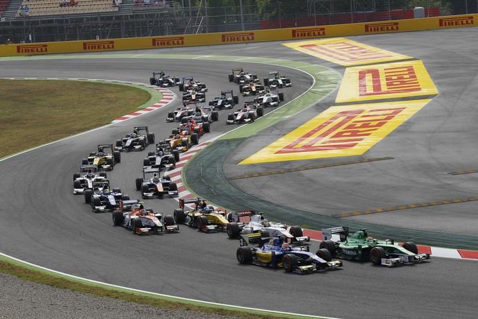 Felipe Nasr fez uma ótima largada na GP2 na Espanha (Foto: Divulgação)