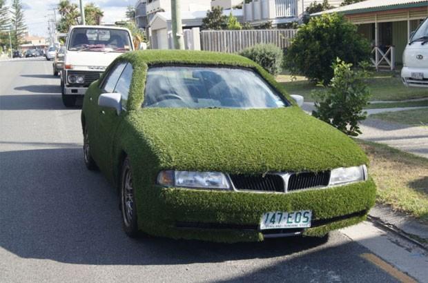 Veículo ano 1998 foi colocado à venda com lance inicial de 1 dólar australiano. (Foto: Reprodução/eBay)
