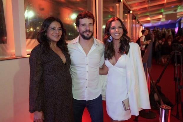 Dira Paes, Daniel de Oliveira e Mariana Rios em pré-estreia de filme na Zona Sul do Rio (Foto: Isac Luz/ EGO)