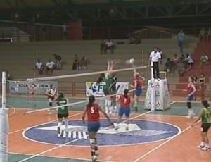 Rondônia vence equipe do Amapá e garante vaga na Liga Nacional de Vôlei (Foto: Reprodução/TV Acre)