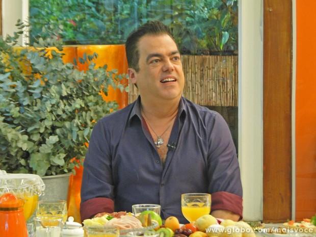 Marco Antônio de Biaggi toma café com Ana Maria (Foto: Mais Você / TV Globo)