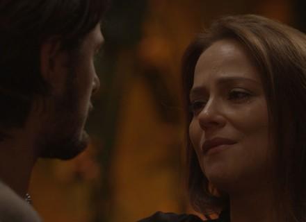 Lili dispensa Rafael para ficar com Germano