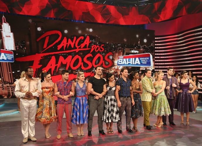 Homens após apresentações do Dança (Foto: Carol Caminha/Gshow)