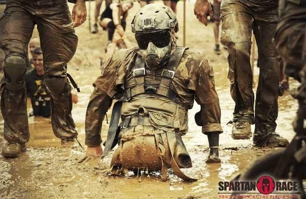 Todd Love durante a corrida Spartan  (Foto: Reprodução)