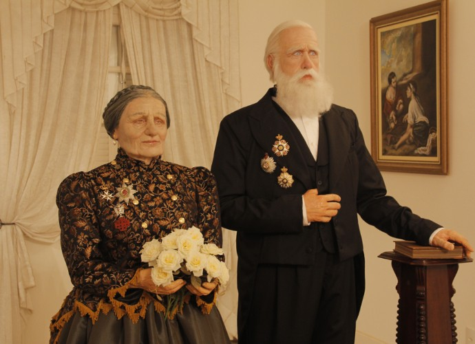 Esculturas de silicone da Imperatriz Teresa Cristina e do Imperador Dom Pedro II (Foto: Rio Sul Revista)