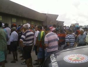 Torcedores formavaram longas filas no Castelão (Foto: Joylson Pinto)