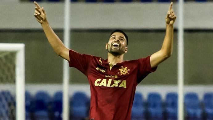 Gerson Magrão, meia do CRB (Foto: Ailton Cruz / Gazeta de Alagoas)