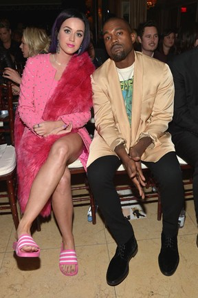 Katy Perry e Kanye West em evento em Los Angeles, nos Estados Unidos (Foto: Charley Gallay/ Getty Images)