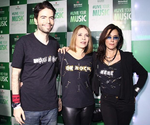 Christiane Torloni, Liège Monteiro e Luiz Fernando Coutinho usam camisetas customizadas (Foto: Roberto Valverde/ Ed. Globo)