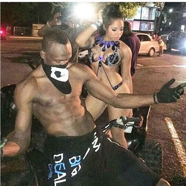 Usain Bolt diverte-se com a namorada, Kasi Bennett (Foto: Instagram/Reprodução)