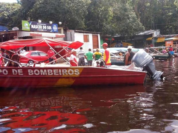 Bombeiros foram acionados para fazer resgate de corpo (Foto: Divulgação/Corpo de Bombeiros)