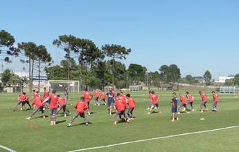 Com força máxima, Atlético-PR retoma os treinos para enfrentar o Flamengo