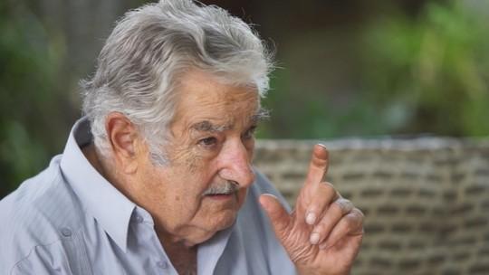 Pepe Mujica compara política a um ato de amor: 'Tem que ter interesse de carinho humano'