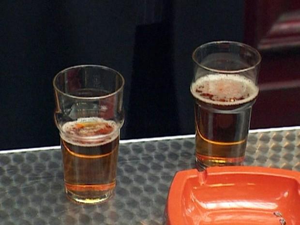 Remédio que corta desejo por bebida alcoólica será oferecido na Inglaterra - Gnews (Foto: Reprodução/GloboNews)