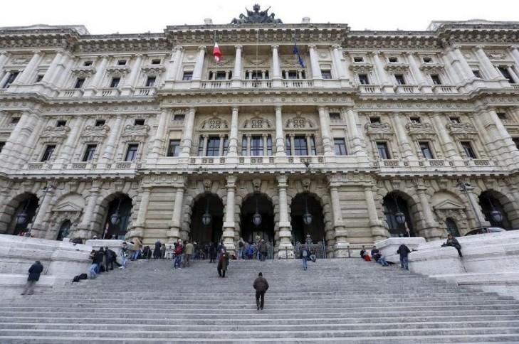 Resultado de imagem para Corte Suprema italiana decide que masturbação em público não é crime