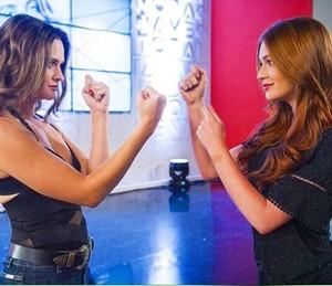 Juliana Paiva e Marina Ruy Barbosa brincam com a rivalidade de suas personagens de 'Totalmente Demais' (Foto: Arquivo pessoal)