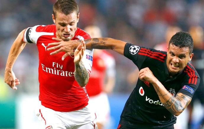 Ramon no jogo Besiktas contra Arsenal (Foto: Reuters)