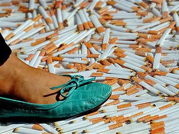 Piso de cigarro (Foto: Greg Wood/AFP Photo)