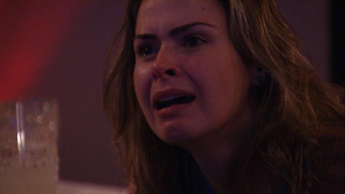 Ana Paula se emociona em almoço (Foto: Big Brother Brasil / Gshow)