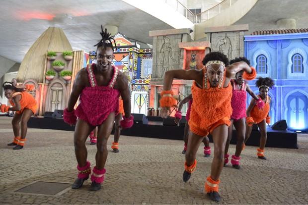 Apresentação da escola de dança afro do Rio de Janeiro (Foto: Fabio Cordeiro/ Ed. Globo)