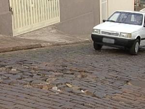 Ruas paralelepípedos Uberaba (Foto: Reprodução/ TV Integração)