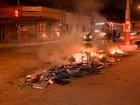 Moradores fecham avenida em protesto por morte de jovem no ES
