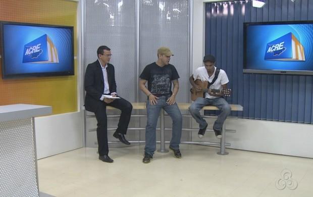 Vocalista falou sobre a carreira na banda e as expectativas para a gravação. (Foto: Acre TV)