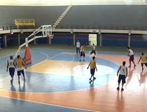 Maranhão treina para a Liga de Desenvolvimento de Basquete (LDB) (Foto: Reprodução/TV Mirante)